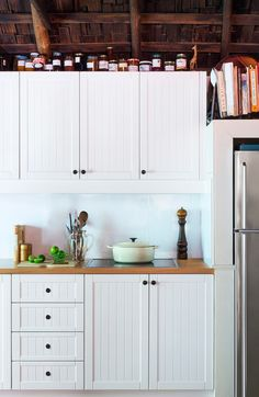 Check out our inspirational kitchen showcase real DIY kitchen renovations, showing you what's possible with our kaboodle kitchen flatpack system. Diy Kitchen Cupboards, Kitchen Staging, Timber Kitchen, Kitchen Cupboard Designs, Kitchen Cupboard Doors, Kitchen Remodel, Kitchen Renovations, Country Kitchen, New Kitchen