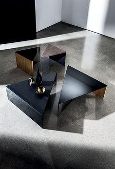 Lievore Altherr Molina, Sovet italia, regolo triangulare, center table More
