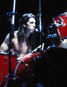 Dave Grohl plus jeune ( du temps de Nirvana)