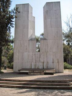 Tumba de Salvador Allende, Santiago, Chile