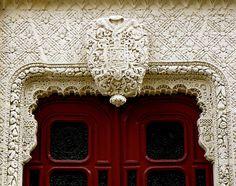 \\ doorway in Paris