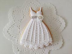 ドレスとケーキのデコレーションをお揃いに♪
