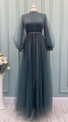 Modesty Fashion, Muslim Fashion, Fashion Dresses, Beautiful Dress Designs, Stylish Dress Designs, Stylish Dresses For Girls, Elegant Dresses, Dress Muslim Modern, Muslim Dress