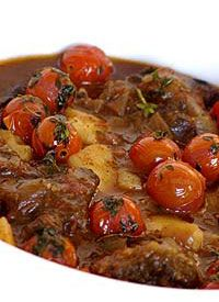 Oxtail with Tomato and Thyme recipe - Beef recipes - Oxtail Recipes, Mince Recipes, Lamb Recipes, Cooking Recipes, Beef Shin Recipes, What's Cooking, Yummy Recipes, South African Dishes, South African Recipes
