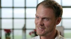 Danny Willett & caddie Jonathan Smart relive magical Masters win in 2016 http://sportscanyon.com/golf/danny-willett-caddie-jonathan-smart-relive-magical-masters-win-in-2016/