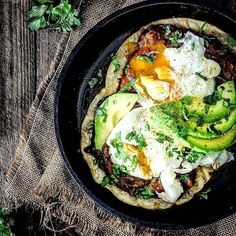 Farm to table. Rancho huevos breakfast bowl with fresh herbs & avocado. Rustic perfection!  Courtesy: Table Twentey-Eight | @tabletwenteight  #chef #riseandshine #morning #sunrise #love #breakfast #brunch #coffee #latte #travel #instatravel #travelgram #feedme foodstagram #foodgasm #foodporn #foodie #chef #cheflife #eggs #bacon #steak #beef #meatlover #carnivore #paleo #glutenfree #saturday #weekend #myfoodeatsyourfood . . @gastroart @beautifulcuisines @chefsofinstagram @chefsroll…