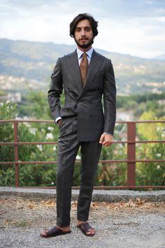 Men's Street Style Inspiration Light Blue Chinos, Beige Chinos, Men's Tuxedo Styles, Windowpane Suit, Expensive Suits, Light Blue Dress Shirt, Toe Loop Sandals, Mens Fashion Blog, Men's Fashion