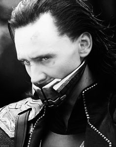 Loki, muzzled and chained after being defeated, but before returning with Thor to Asgard. Avengers 2012, Loki Avengers, Loki Thor, Loki Laufeyson, Marvel Avengers, Marvel Comics, Thomas William Hiddleston, Tom Hiddleston Loki, Bucky Barnes