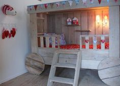 Wagon wooden bed