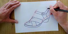 ¿Qué técnica de dibujo utilizas para tus diseños de calzado?  A nosotros nos gusta bocetar a mano alzada con lápiz y papel para enseñar a los alumnos técnicas de diseño de calzado.  #reinventandoelcalzado #cursosonline #diseño #boceto #calzado  Visualiza el vídeo de como se realiza el dibujo en el enlace de Youtube 👠👞👡