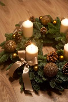 Christmas Mood, Christmas 2014, Christmas Wreaths, Christmas Crafts, Christmas Ornaments, Christmas Centerpieces, Christmas Decorations, Holiday Decor, Advent Wreath Candles