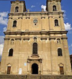...din provincie !: Un monument istoric in paragina