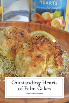 Hearts of Palm Cakes are crunchy cakes made with hearts of palm, artichokes, garlic and panko served with a zesty garlic aioli. Ww Recipes, Low Calorie Recipes, Veggie Recipes, Lunch Recipes, Drink Recipes, Recipies, Fruit Dishes, Vegan Dishes, Artichoke Recipes