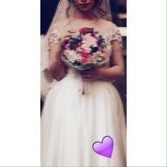 Arab Wedding, Wedding Couples, Wedding Bride, Indian Gowns Dresses, Glam Dresses, Wedding Dresses, Cute Girl Photo, Girl Photo Poses, Photo Shoot