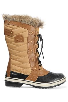 12 actually stylish snow boots for women: