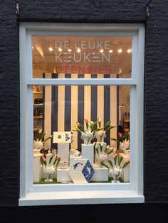 Window Display of Limited edition Delft-ware for De Leuke Keuken Edam the Netherlands by Man-Made Design Amsterdam.