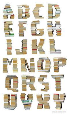 Stacked Books Alphabet. Bygg Books