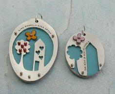 Necklace and 'bonus' necklace by kathrynriechert, via Flickr  (resin??)