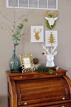 DIY Christmas Reindeer Wall Art at TidyMom.net  Super easy #Christmas #crafts