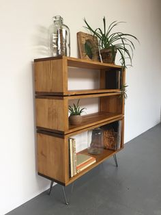 Stacked Solid Wood Bookcase Shelves by DerelictDesign Diy Furniture Hacks, Furniture Makeover, Home Decor Bedroom, Diy Room Decor, Muebles Living, Diy Décoration, Furniture Inspiration, Home Decor Accessories, Cheap Home Decor