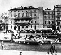 Taksim Meydanı 1930. Taksim Square. Osmanlı Bankası'nın olduğu yerde şimdilerde The Marmara Oteli yükseliyor.  Selahattin Giz arşivinden.