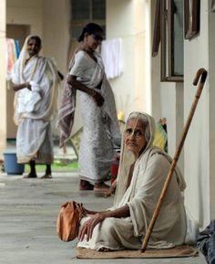 Pyari Maa (PyarimaaFoundation)  Vrindavan is home to over 15,000 Widows   .