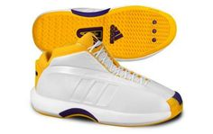 Adidas Kobe Bryant wore these in the 2000 and 2001 Finals Basketball Shoes Kobe, Kobe Shoes, New Nike Shoes, Adidas Shoes, Sneakers Nike, Basketball Court, Kobe Bryant Shoes, Nike Bags, Fresh Shoes