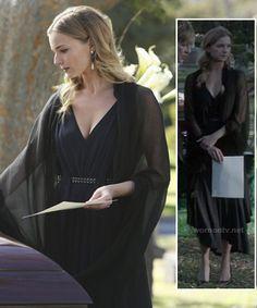 Emily's black belted dress at the funeral on Revenge.  Outfit Details: http://wornontv.net/12950/ #Revenge #ABC