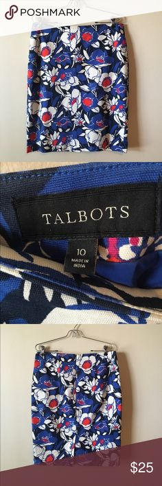 Talbots Skirt Size 10. NWOT. Has a small slit in the back center 💕 Super cute for work. Same/next day shipping. All bundles 30% off. Talbots Skirts Pencil