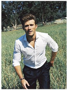 The photo coloring has a retro vibe to it. Of course, Scott Eastwood would be…