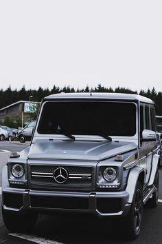 Best Dubai Luxury And Sports Cars In Dubai : Illustration Description Mercedes G wagon – Read More – Mercedes Auto, Mercedes G Wagon, Mercedes Classic Cars, Mercedes Benz G Class, Mercedes G500, Auto Design, Design Autos, Maserati, Bugatti