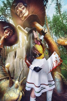Cosplayer, Dantelian, as Alice Liddell!