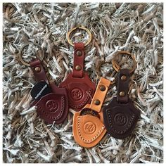 Free Walt Grace custom guitar pick keychain with every vintage car purchase 😜 ———— #WaltGraceVintage #guitar #guitarpick #guitarpicks #keychain #guitarpickkeychain #guitarporn #cars #miami #Wynwood #carsandguitars #leather #gift #keyfobs