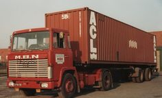 69. Scania 30 met ACL container