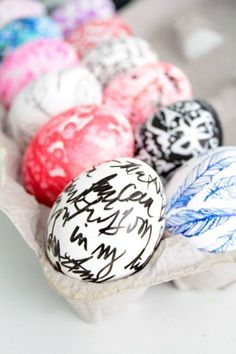 It's Easter time soon! Try one of these creative easter egg decorating ideas from HomeLovr.