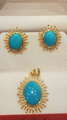 Gold Earrings Designs, Gold Jewellery Design, Necklace Designs, Emerald Jewelry, Gold Jewelry, Fine Jewelry, Temple Jewellery, Jewelry Patterns, Bridal Jewelry