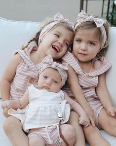 Things That All Pregnant Women Must Know. Twin Baby Girls, Cute Baby Girl, Cute Little Girls, Toddler Girl, Baby Twins, Little Sisters, Cute Twins, Cute Babies, Tatum And Oakley