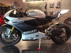 Ducati 1199 custom black & white