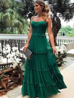 Espaguete Longo A linha Verde Chiffon Vestidos de baile, Vestidos de noite - Prom Dresses - Vestido de Festa Elegant Dresses, Pretty Dresses, Beautiful Dresses, Casual Dresses, Sparkly Dresses, Casual Outfits, Dress Skirt, Dress Up, Cute Maxi Dress
