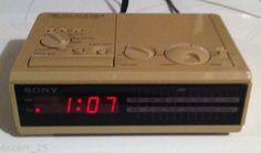 Vintage-Sony-Dream-Machine-Alarm-AM-FM-Clock-Radio-ICF-C2W-with-Instructions