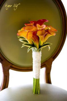 Orange calla lily wedding bouquets for the bridesmaids? Calla Lillies Bouquet, Calla Lily Wedding Flowers, Lily Bouquet Wedding, Fall Wedding Bouquets, Spring Bouquet, Bride Bouquets, Spring Wedding, Unusual Flowers, Orange Wedding