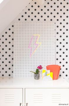 DIY neon sign Oh Marie! DIY neon sign Oh Marie! The post DIY neon sign Oh Marie! appeared first on Wohnaccessoires. Neon Light Signs, Led Neon Signs, Diy Neon Sign, Diy Wohnmöbel, Creative Crafts, Diy Crafts, Hippy Room, Diy Home Furniture, Neon Painting