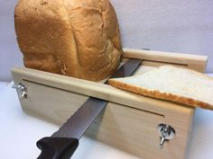 Horizontal Adjustable Bread Slicing Guide Made of Solid Poplar Lumber Woodworking Projects Diy, Diy Wood Projects, Woodworking Plans, Wood Crafts, Wooden Decor, Wooden Diy, Wood Sample, Wooden Kitchen, Diy Frame