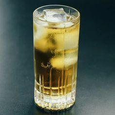 Whiskey Ginger, Rye Whiskey, Whiskey Cocktails, Easy Cocktails, Ginger Ale, Summer Cocktails, Bourbon, Drinks Alcohol Recipes, Alcoholic Drinks