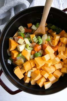 How to Make the BEST Butternut Squash Soup Recipe - The Forked Spoon Best Butternut Squash Soup, Potato Vegetable, Food Print, Soup Recipes, Sweet Potato, Slow Cooker, Bacon, Veggies, Fall Things