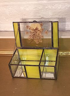 GIVE THIS CLASSY YELLOW STAINED GLASS TRINKET/JEWELRY BOX  | eBay