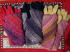 Twisted Wrist Warmers - free crochet pattern