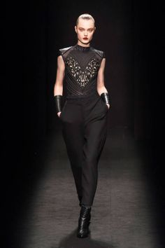 Byblos Milano Fall 2014 Ready-to-Wear Runway - Byblos Milano Ready-to-Wear Collection