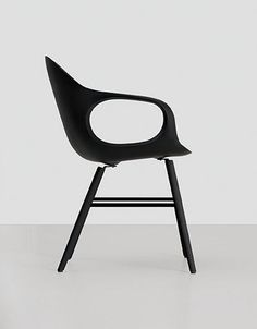 Elephant chair in black . minimal design | chair . Stuhl . chaise | Design made in Germany: Eva Paster & Michael Geldmacher | KRISTALIA |