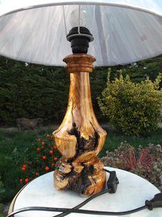 REALIZADO POR PAKITO SORIANO. LAMPARA EN MADERA DE OLIVO. BY PAKITO SORIANO. LAMP BASE IN OLIVE WOOD